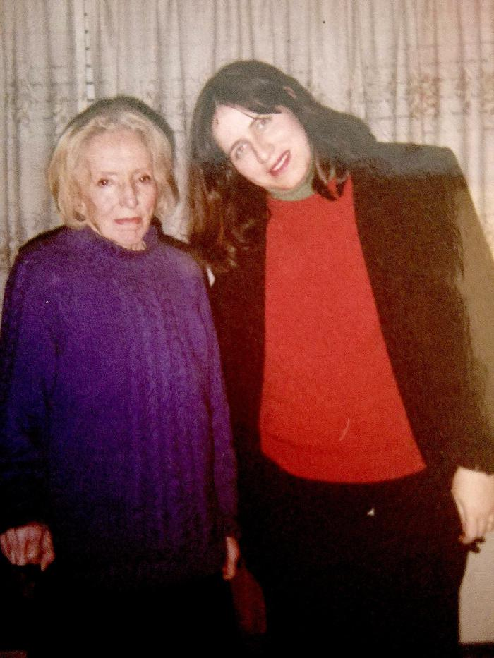 Tania Anaid Ramos junto a Idea Vilariño Foto 29 agosto de 2000